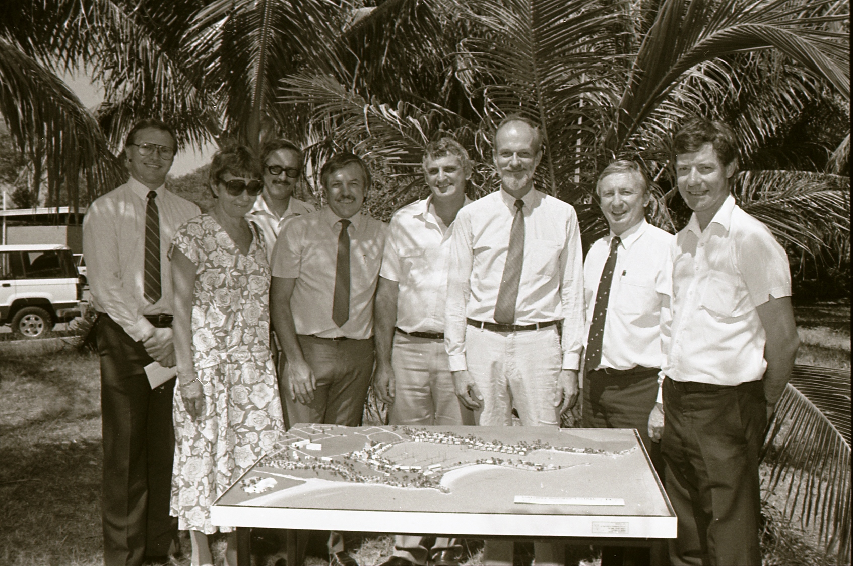 [Kahlin Marine Estate (Cullen Bay) signing, 26 May 1988] Image courtesy of Northern Territory Archives Service, Department of the Chief Minister, NTRS 3823 P1, BW 2726, Item 22