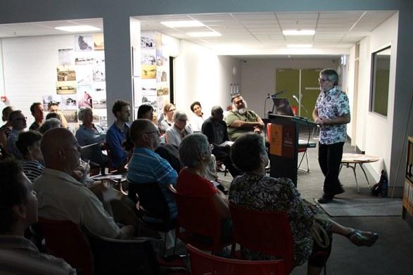 Bill Lennox presenting Northern Territory History Grants Talk