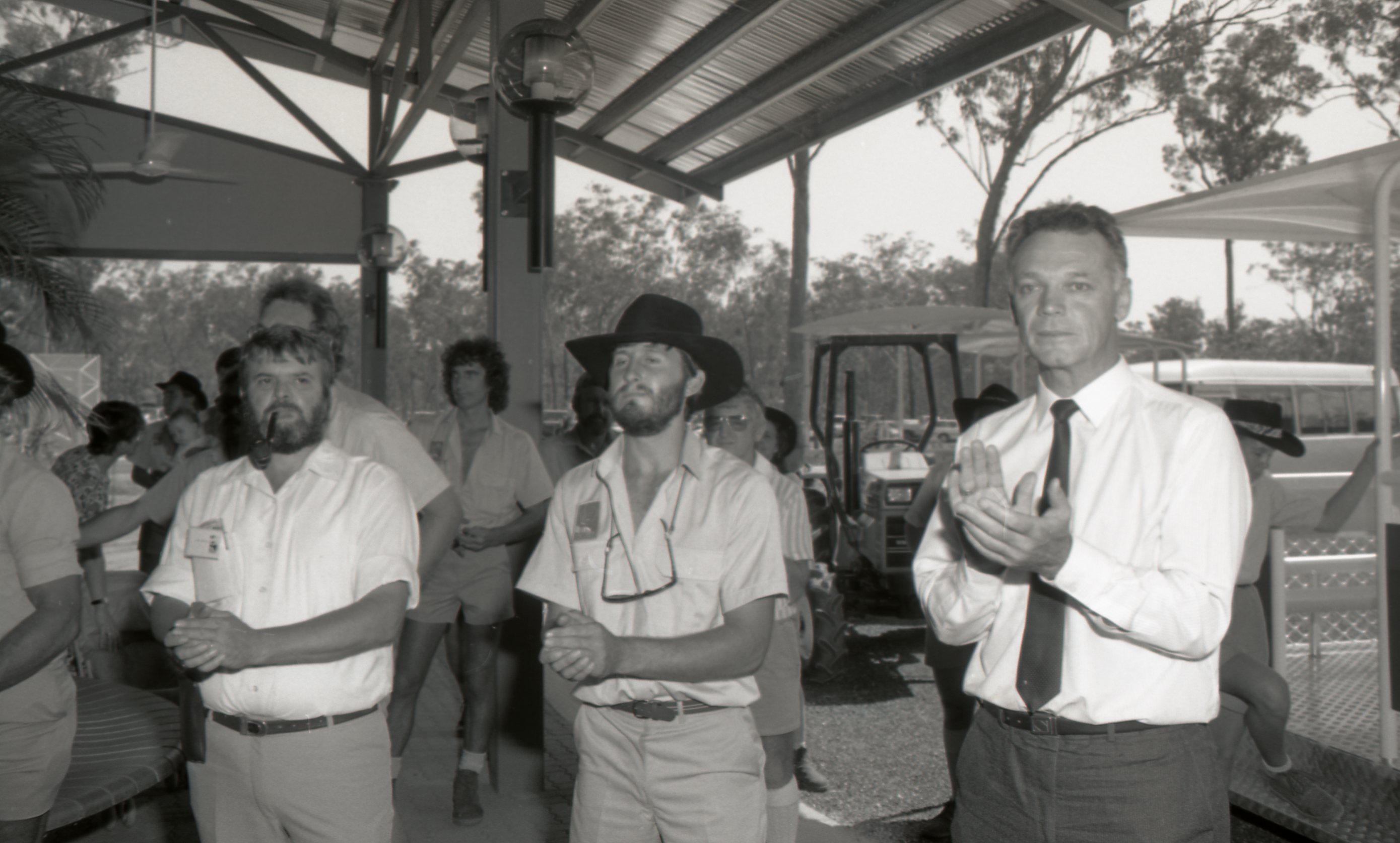 Minister Steve Hatton opens Berry Springs Wildlife Park, 28 September 1989<br />Image courtesy of Library & Archives NT,  Department of the Chief Minister, NTRS 3823 P1, Box 11, BW2855, Image 24