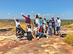 Chinese travel agents tour Red Centre, Top End