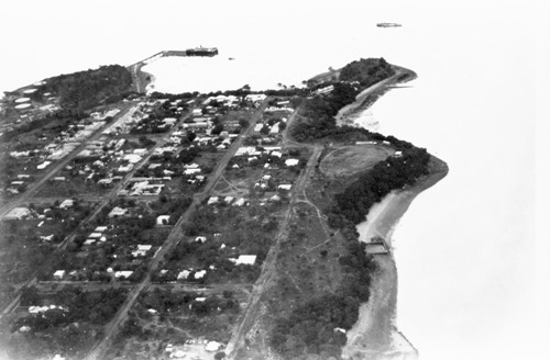 Aerial view of Darwin towards wharf, mid 1930s (showing Lameroo Baths on right)
